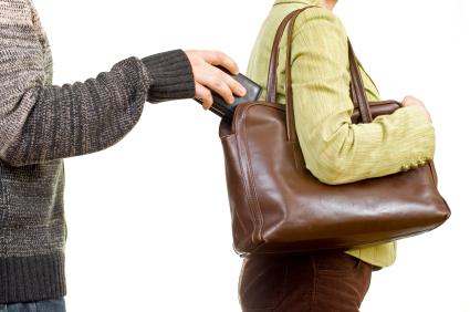 Բերման է ենթարկվել թիվ 46 երթուղու ավտոբուսի սրահում դրամապանակ գողացած քաղաքացին